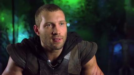 Jai Courtney or a ring-tailed lemur? You decide.